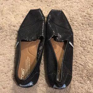 Women's Toms size 6.5